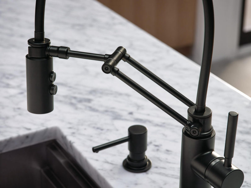 A Kitchen Faucet That Works Hard (And Looks Good Doing It ...