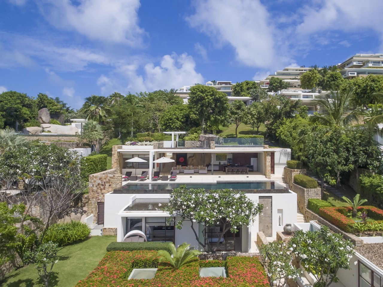 A Hollywood Hills Hotel Perched on a Beach-Front Hillside in Koh Samui