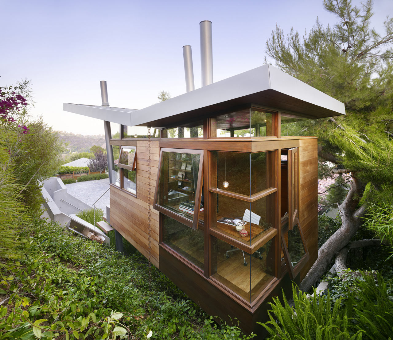 10 Modern Treehouses We'd Love to Have in Our Own Backyard