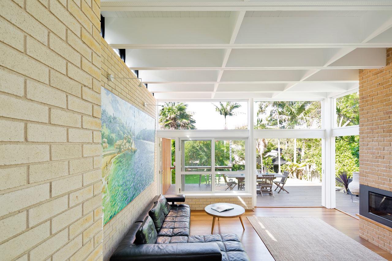 A Beach House with a New Mid-Century Modern Addition - Design Milk