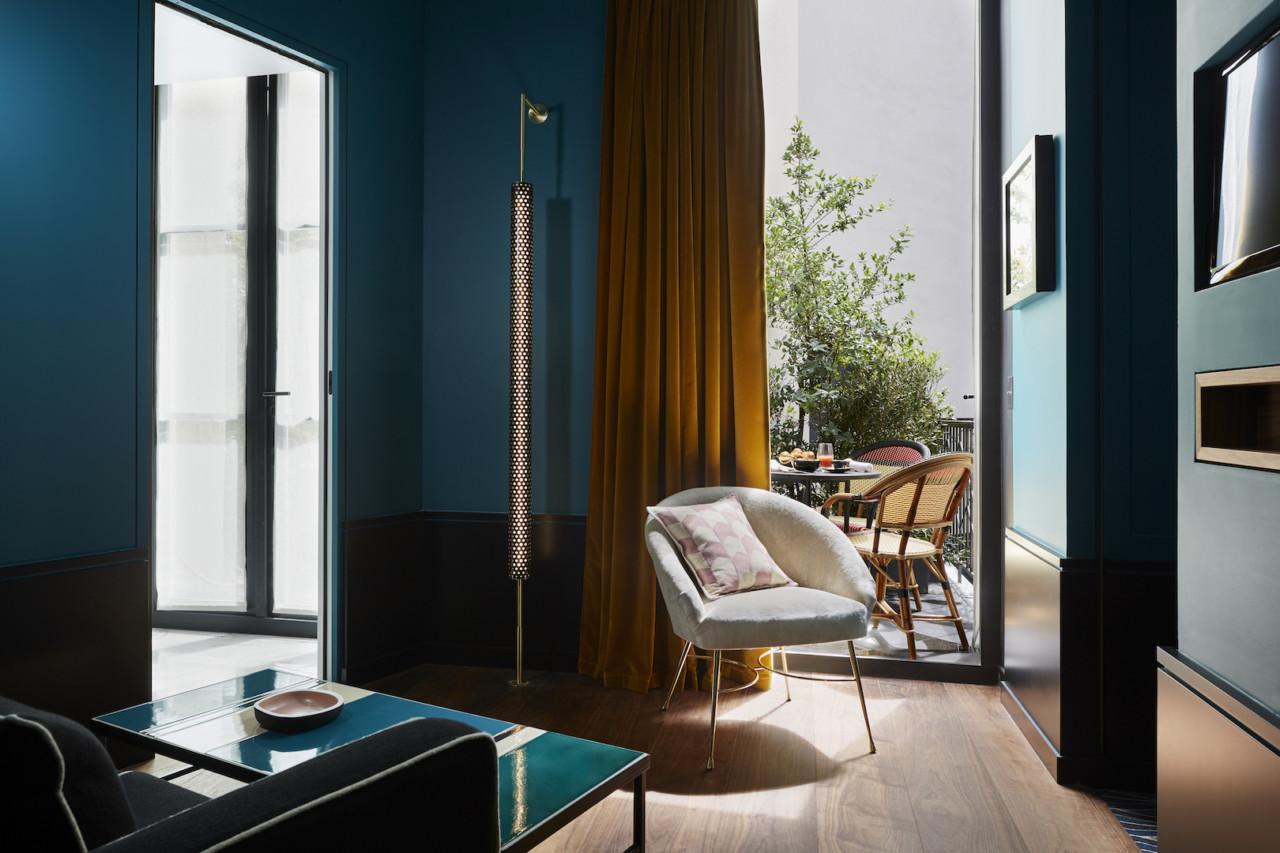A grand stay and tr s chic getaway at the le roch hotel for Salon design paris