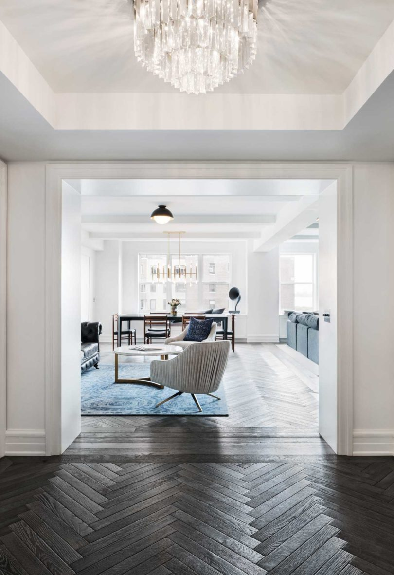 A Classic 7 Pre-War Apartment in NYC Is Renovated by StudioLAB ...