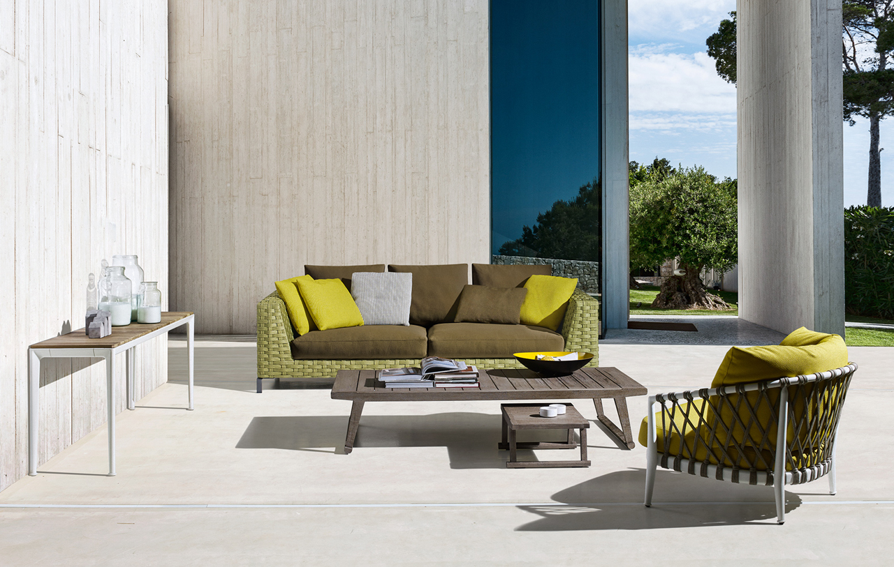 B b italia expands antonio citterio 39 s ray collection to for Outdoor furniture designers
