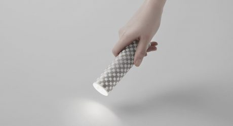 Electronic Paper Rolls Up to Become an Adjustable Flashlight