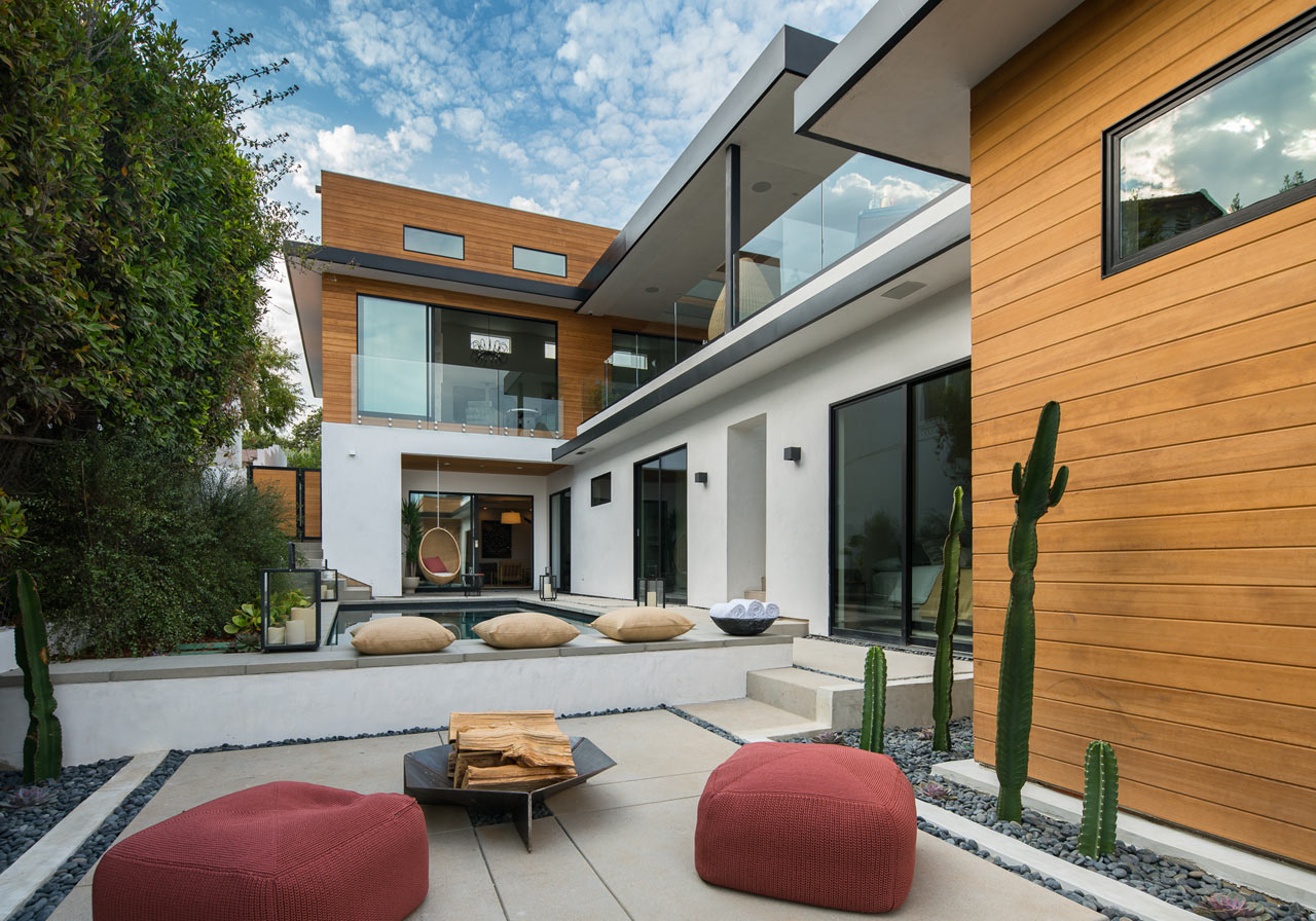 Marine residence modern southern california living with - Interior design jobs in california ...