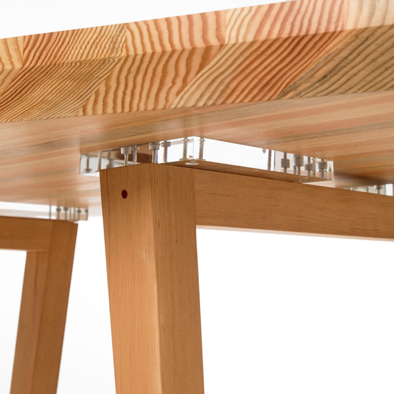 Autonomous Furniture S Kaiwa Table Makes Sure No One Is