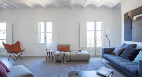 Ciutat Vella Apartment in Barcelona by YLAB arquitectos