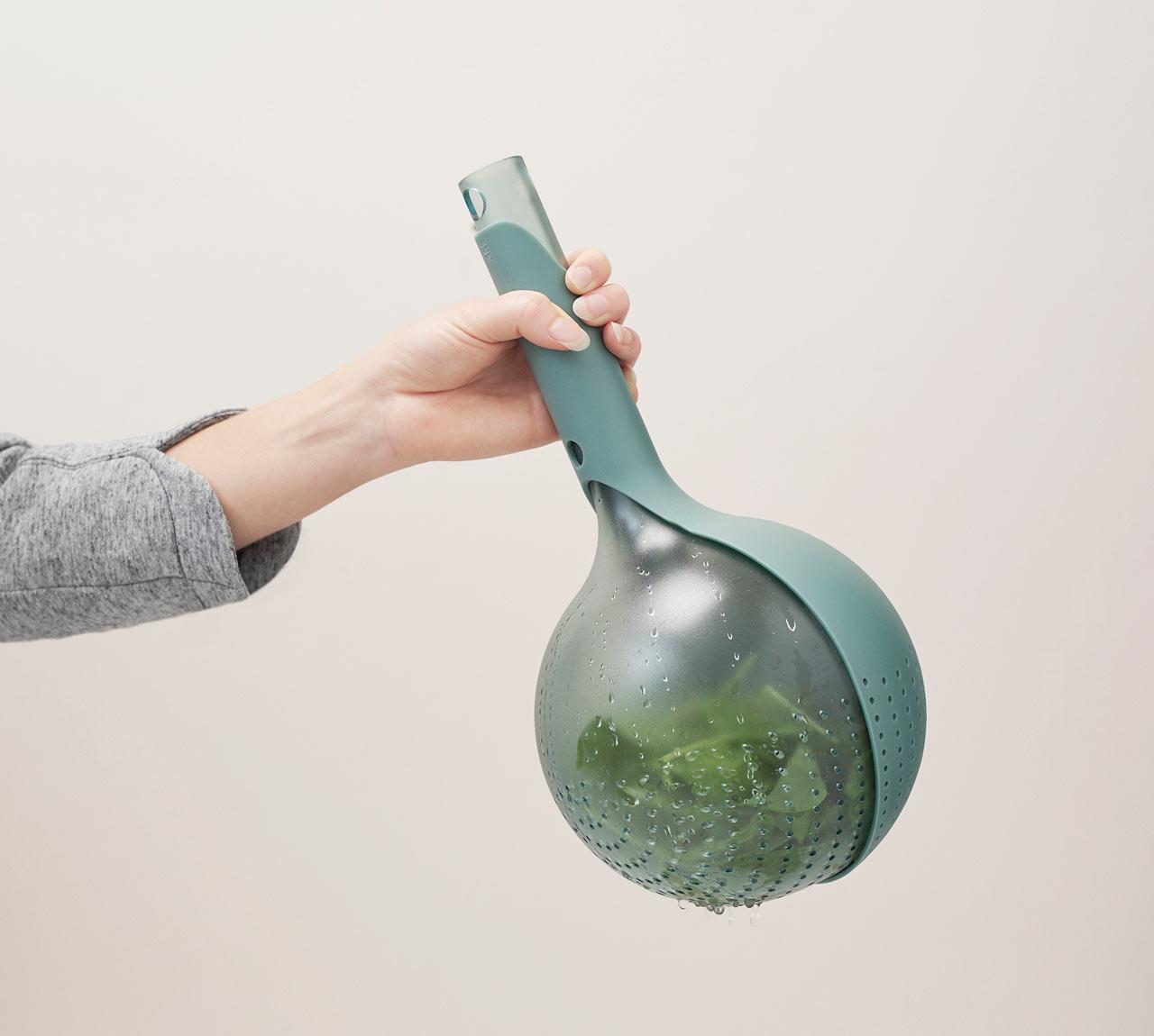 Drop: A Handheld Colander by Viviana Degrandi for RIG-TIG by Stelton