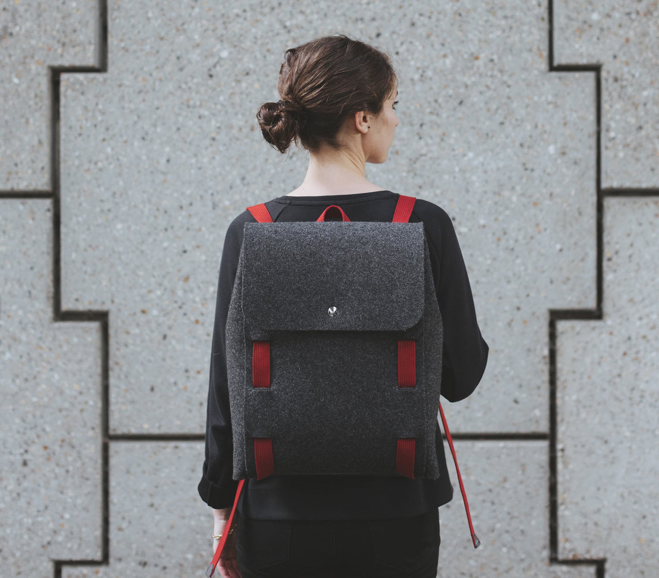 Lasso Is Back with a Wool Felt Bag You Assemble at Home