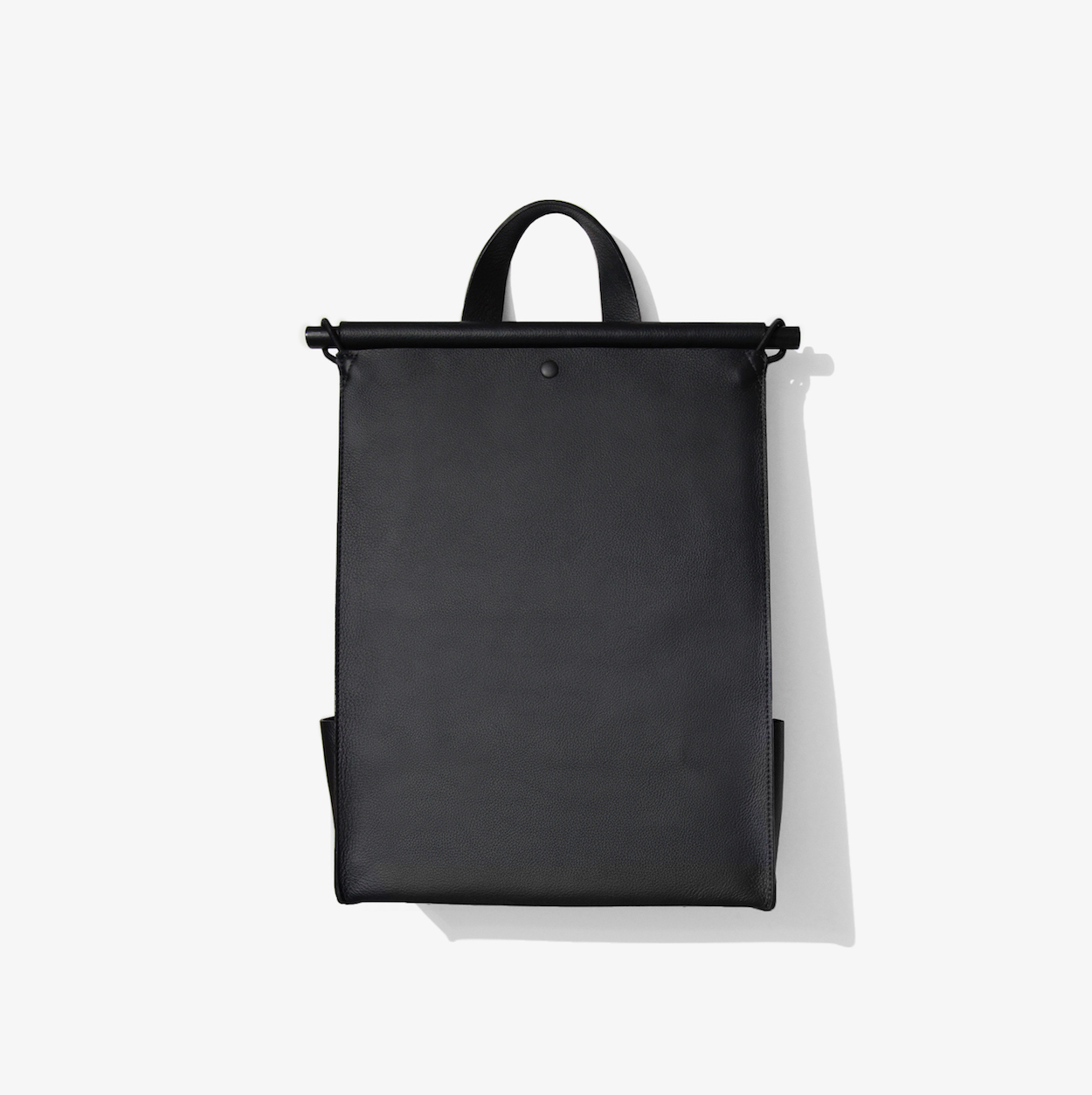 Sac à Dos: A Minimalist Backpack by The Atelier YUL: