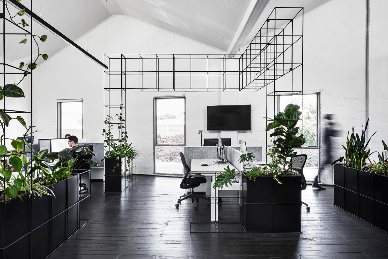 Candlefox hq a graphic black and white office in for Interior house designs black and white