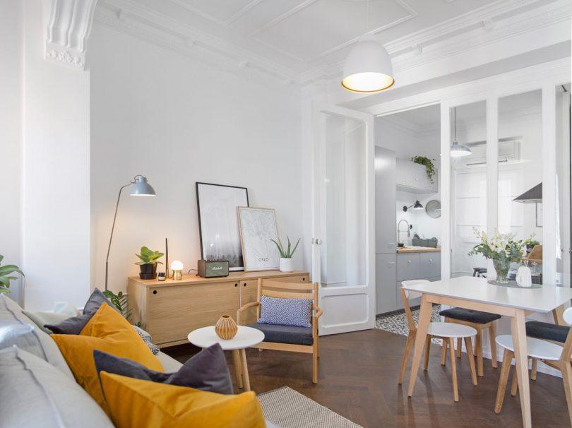 Homelabdesign Renovates a 60m2 Apartment in Valencia