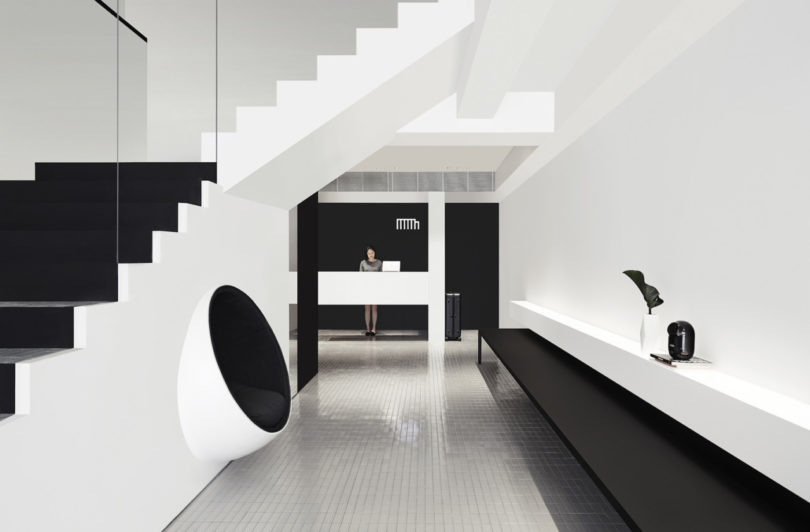Monochromatic and minimalist the hotel mono in singapore for Minimalist hotel