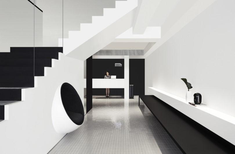 Monochromatic and minimalist the hotel mono in singapore for Minimalist hotel