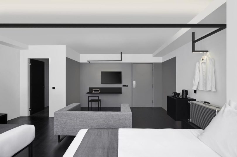 Monochromatic and minimalist the hotel mono in singapore for Design hotel singapore