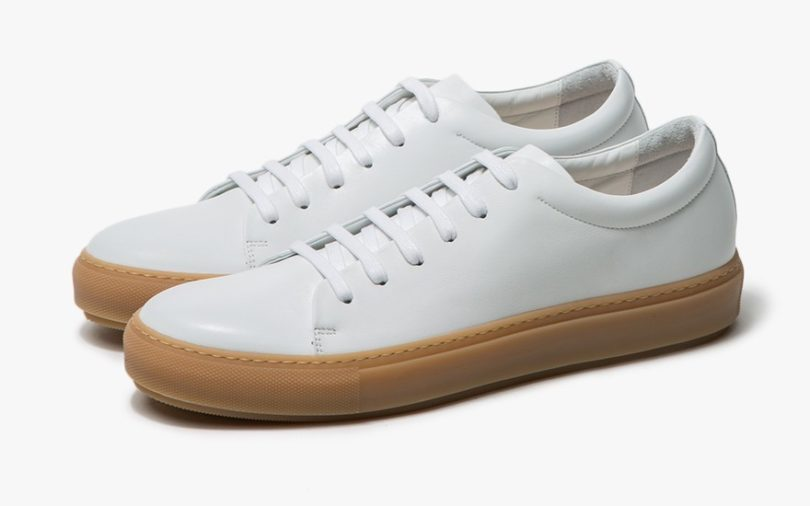 7 Minimalist Sneakers to Maximize Your