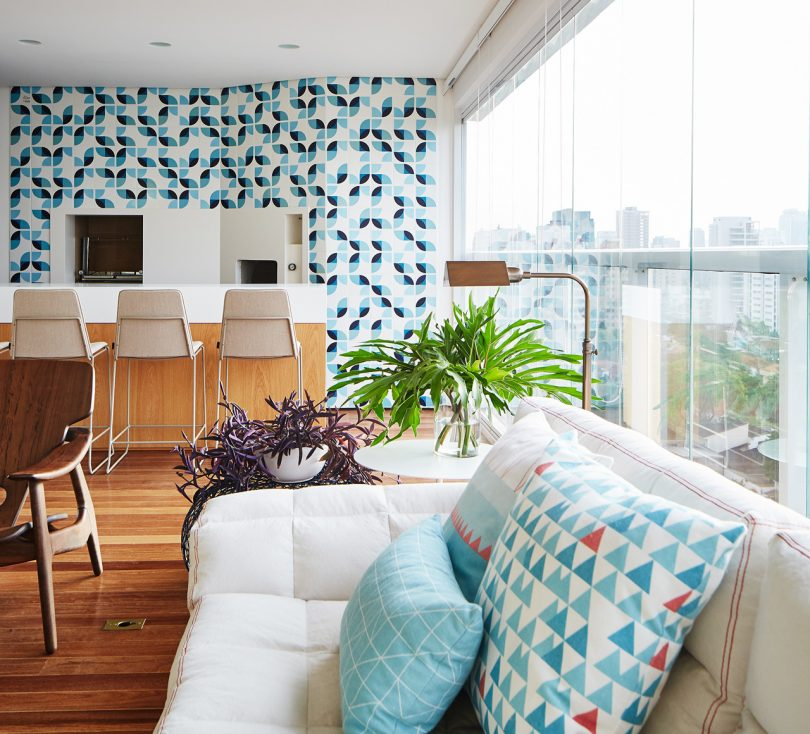A Bright Apartment in São Paulo Designed for Entertaining by David Ito