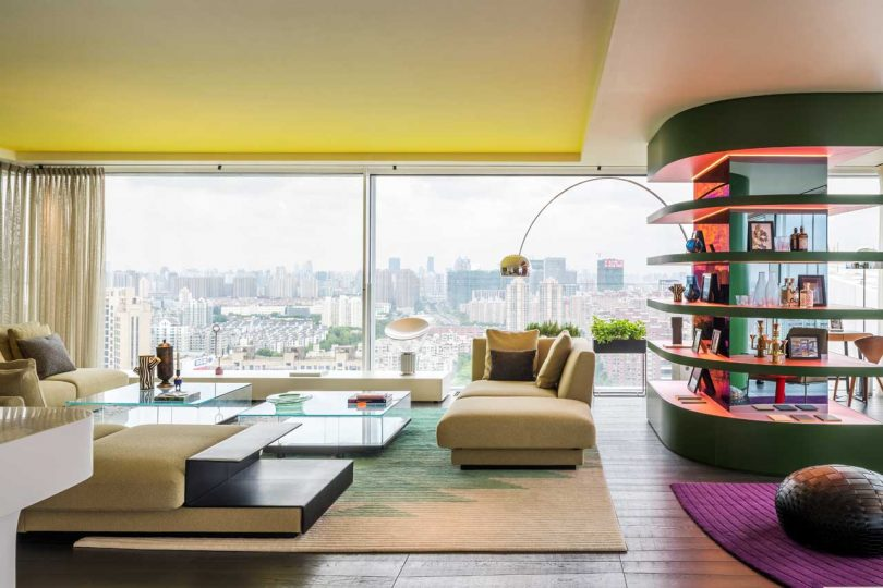 Chromatic Spaces: An Energetic Apartment in Shanghai