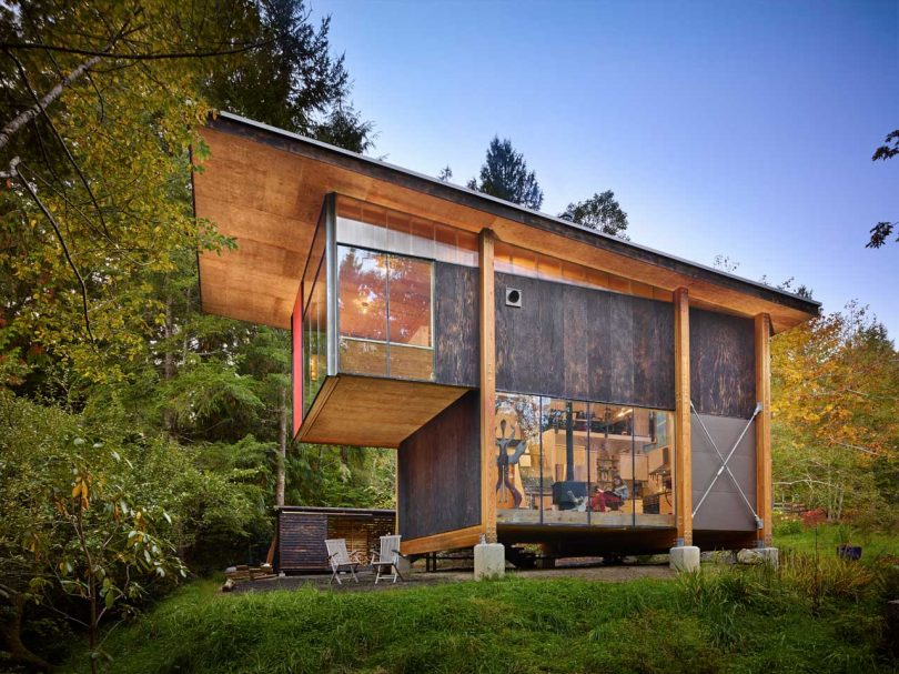 An Artist's Studio in the Woods of Washington State by Eerkes Architects