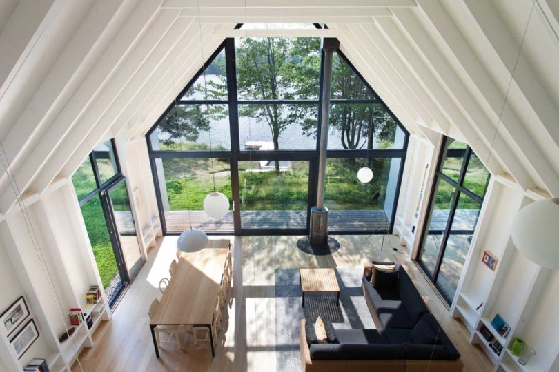 The Entire South Side Of The House Is Made Of Glass Framing The Picturesque  View Outside.