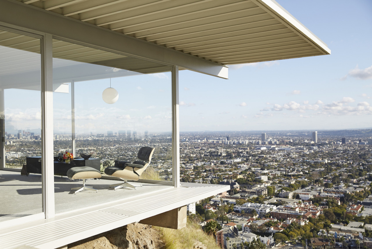 The Iconic Stahl House Gets A Dreamy Makeover From Design Within - Stahl-house-a-modern-residence-in-los-angeles