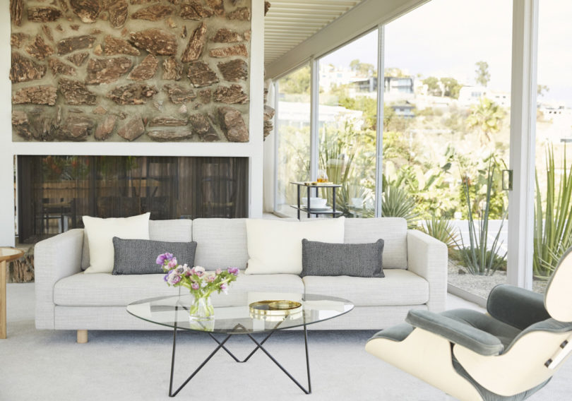 The Iconic Stahl House Gets a Dreamy Makeover from Design Within ...