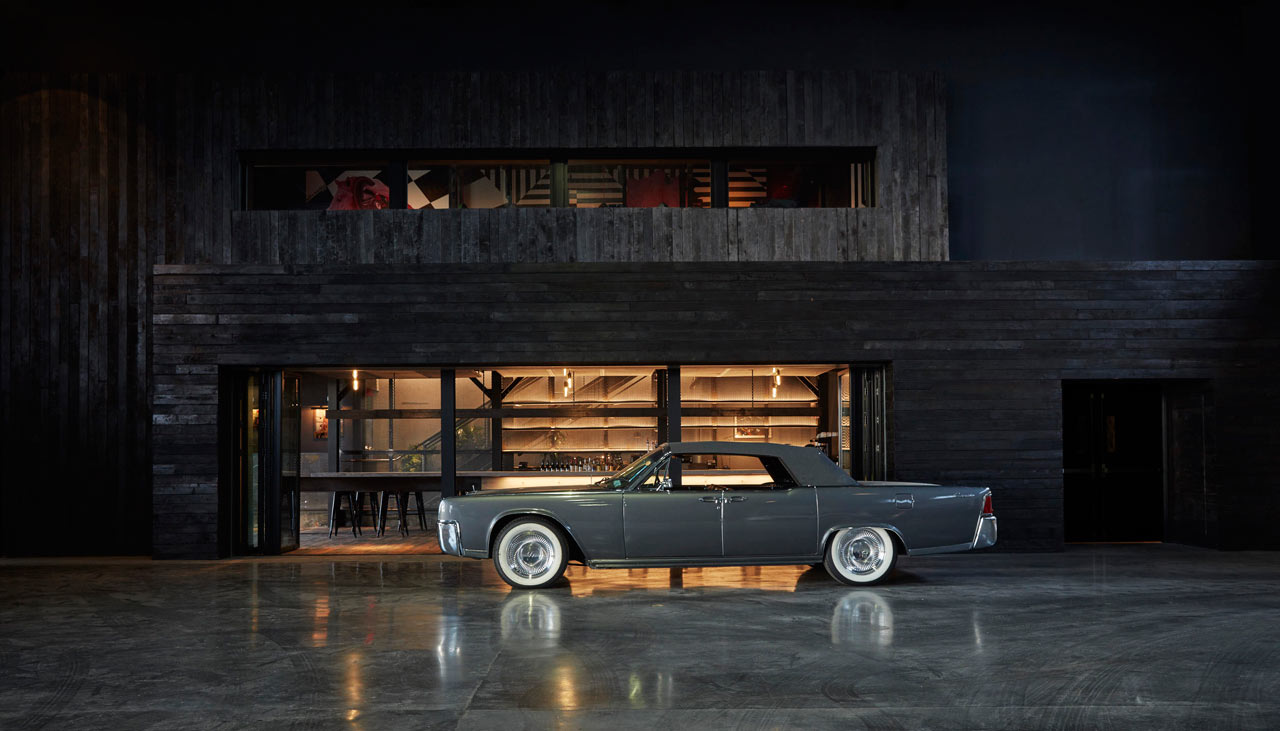 NYC\'s Classic Car Club Gets a New Home at Pier 76 - Design Milk