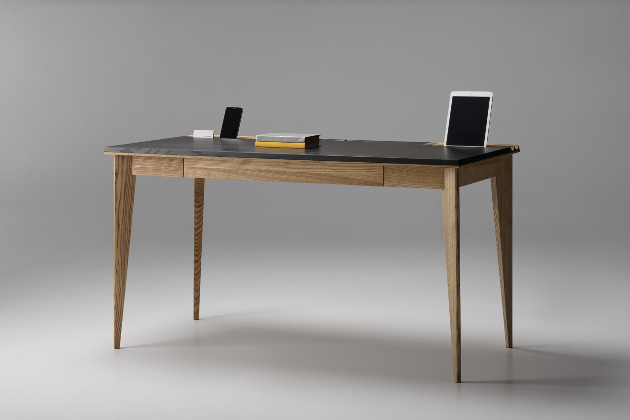 The OLLLY Desk by Pavel Vetrov for Zegen