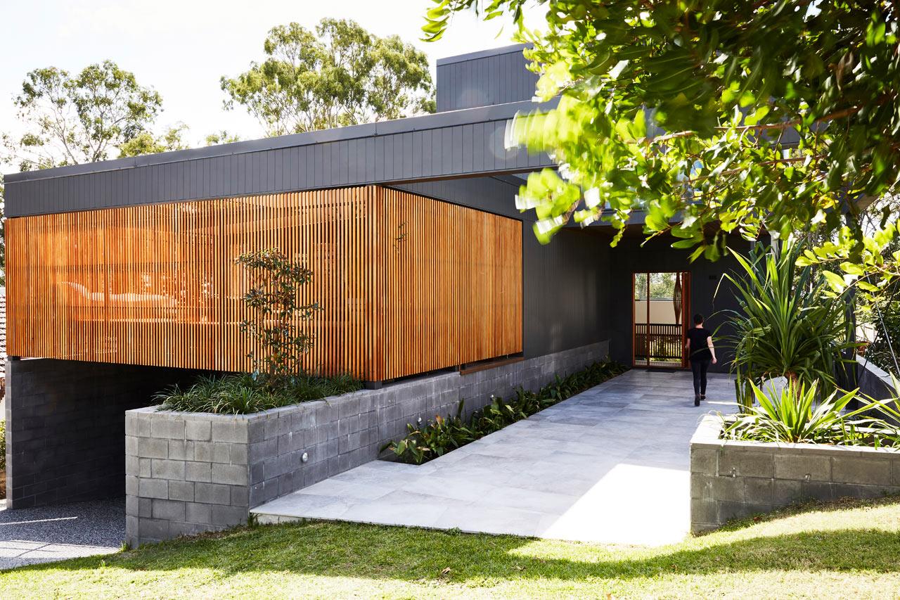 The Coorparoo House in Brisbane Designed Around the Surrounding Eucalyptus Trees - Design Milk