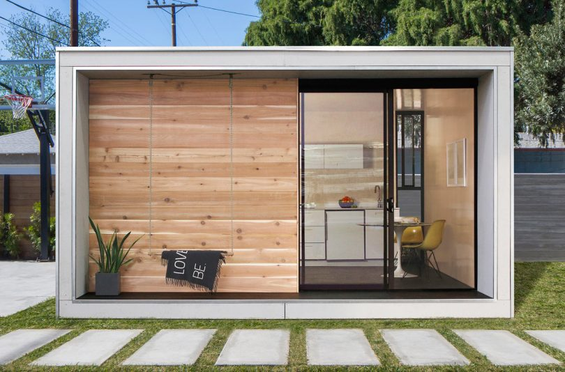 Plús Hús Is a 320-Square-Foot Flat-Packed Home by Minarc