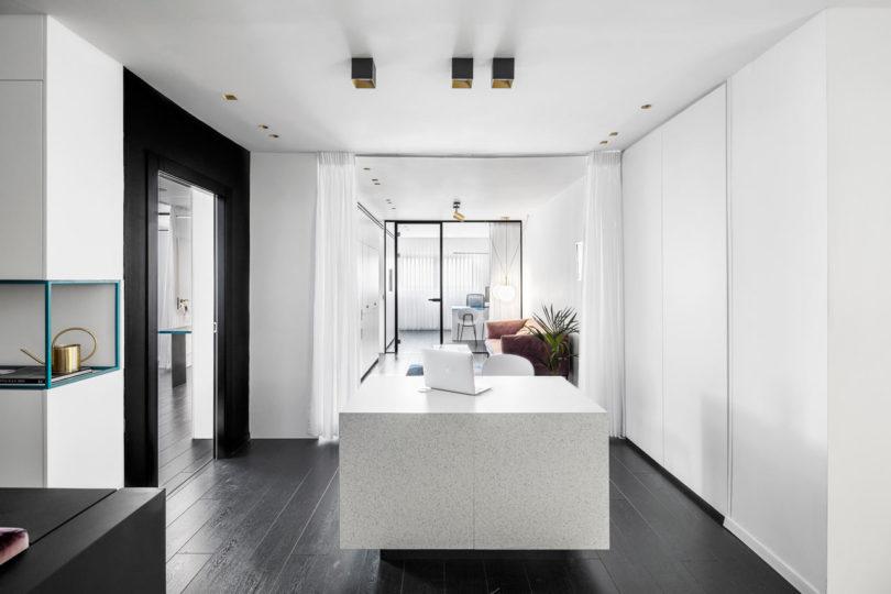 Maayan Zusman Designs a Modern Medical Office That Won't ...