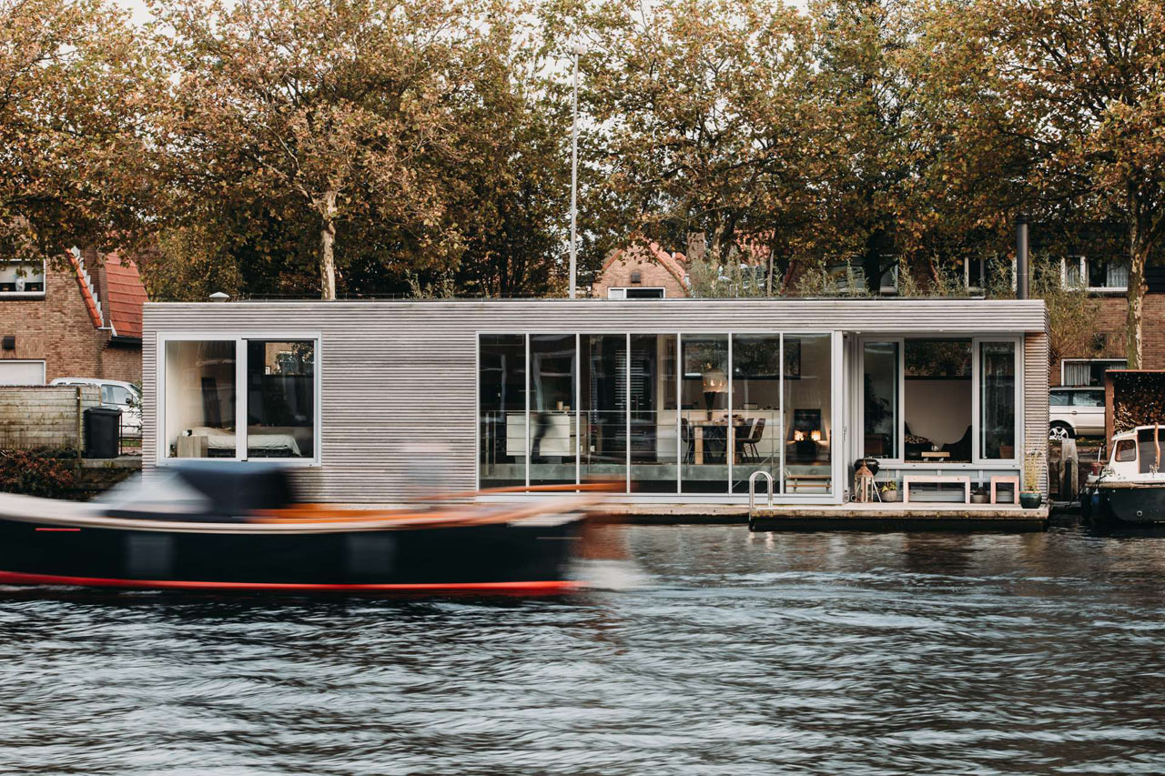 Phenomenal 8 Modern Houseboats And Floating Homes That Will Make You Download Free Architecture Designs Scobabritishbridgeorg