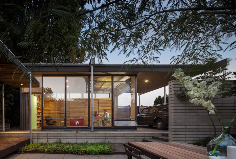 The Grasshopper Studio and Courtyard Adds Much Needed Space to a 1940s Seattle Home