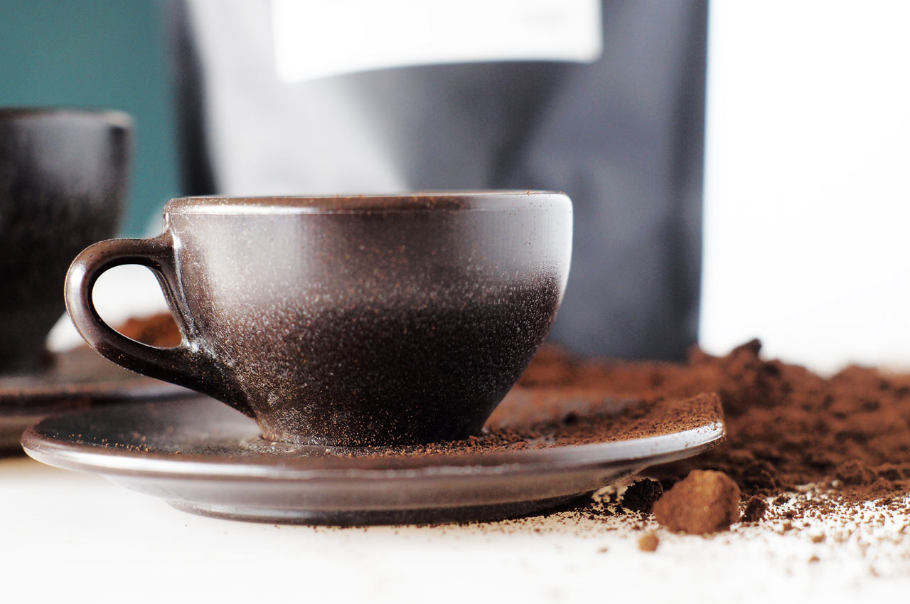Coffee Cups Made from Old Recyclable Coffee Grounds
