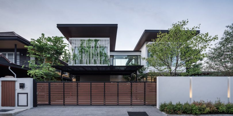 A House in Bangkok That Embraces Greenery and a Love of Nature