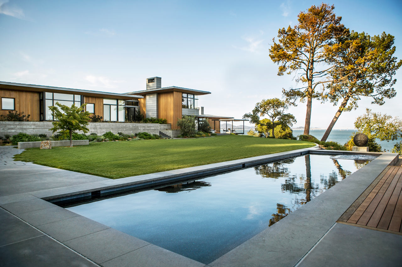 A Modern Residence Overlooking the San Francisco Bay by Walker Warner Architects