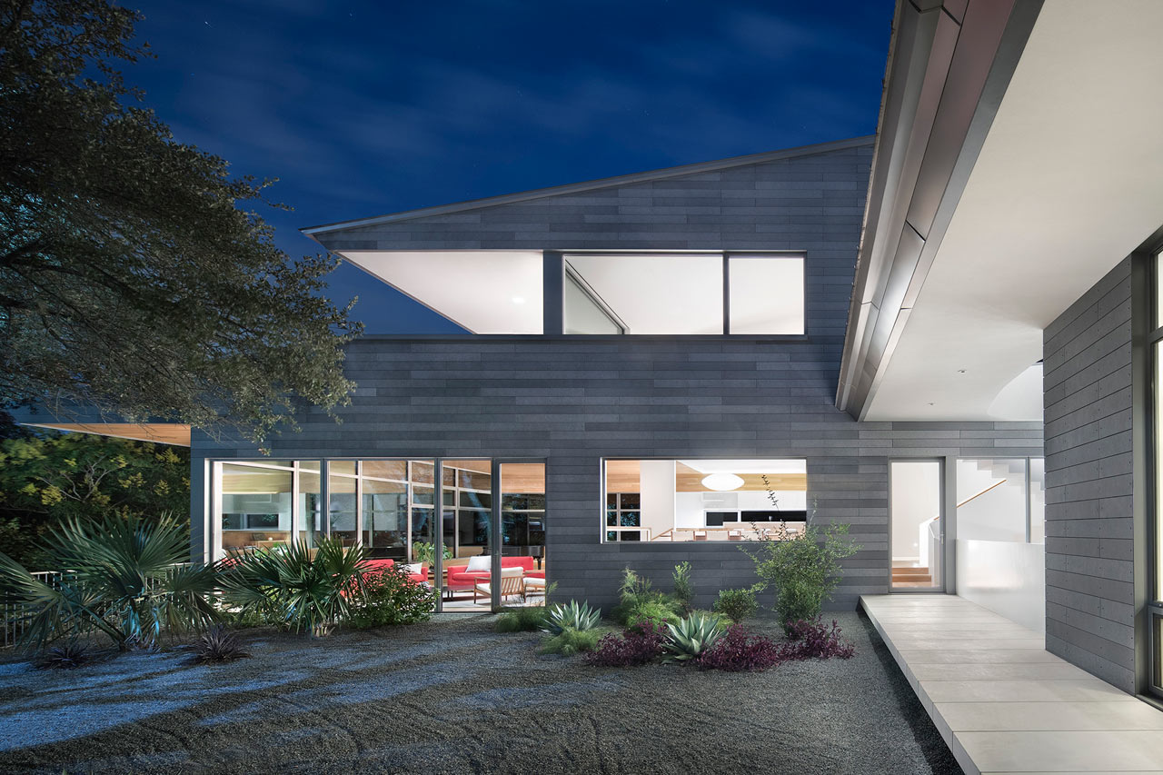 Austin's Vista Residence Is Built Around a Sculptural, Three-Story Staircase
