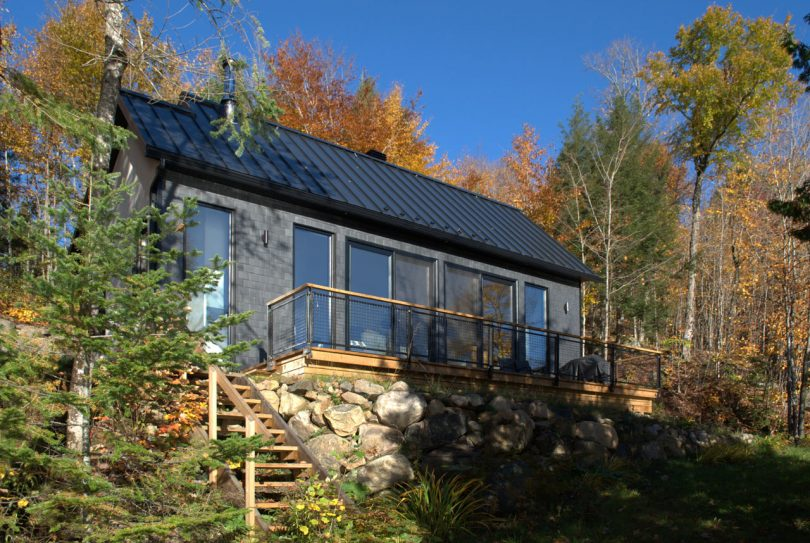 The Wentworth Cabin Is a Quaint, Light-Filled Retreat in Québec