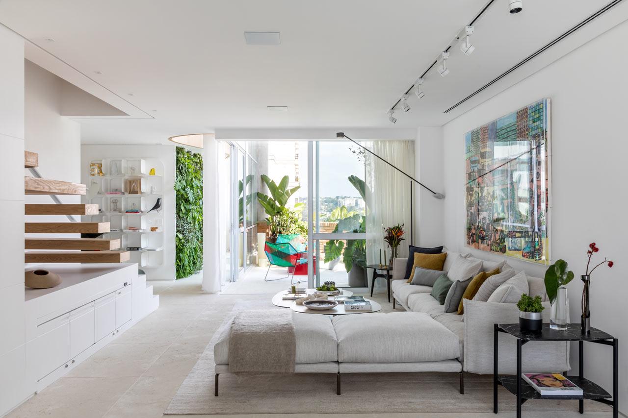 Tria Arquitetura Revitalize a 90s Apartment in São Paulo, Brazil