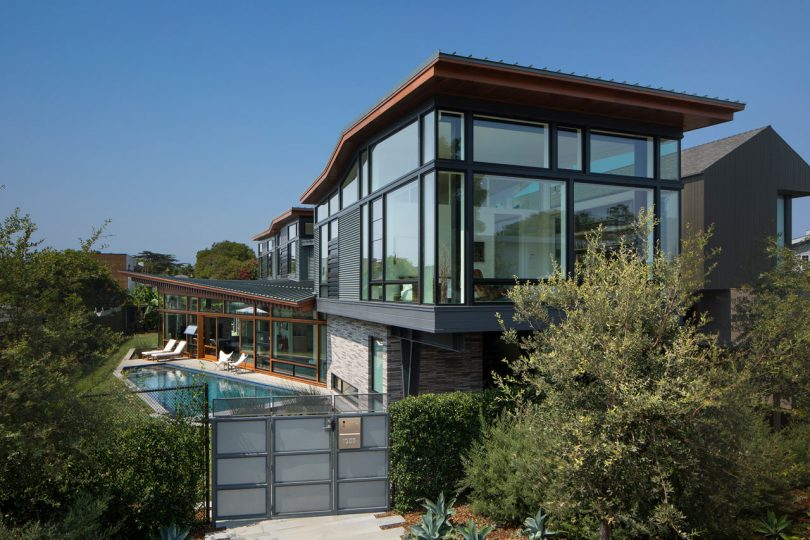 A Sculptural House in Venice by FINNE Architects