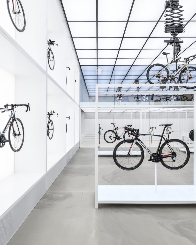 United Cycling LAB & Store by Johannes Torpe