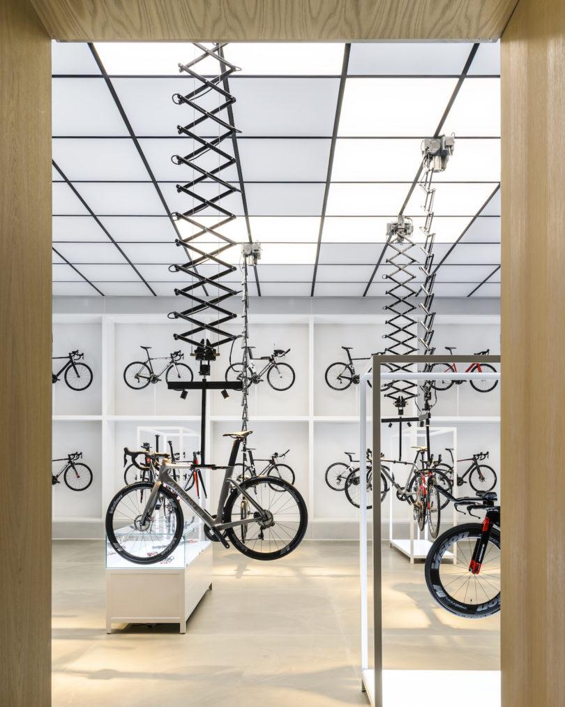 联合自行车实验室与放大器商店