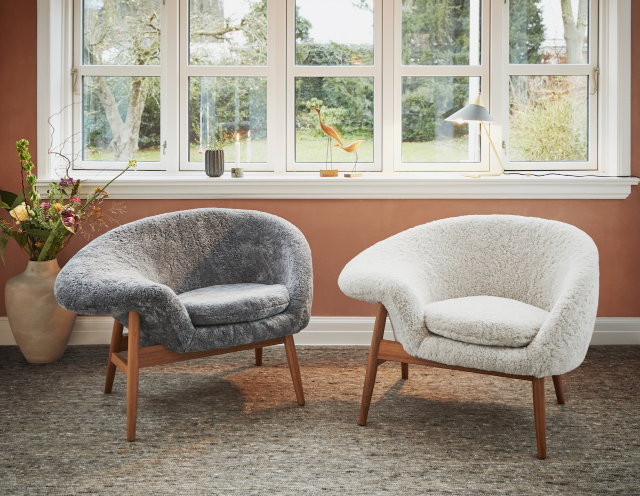 Cozying up in a Sheepskin Fried Egg from Warm Nordic
