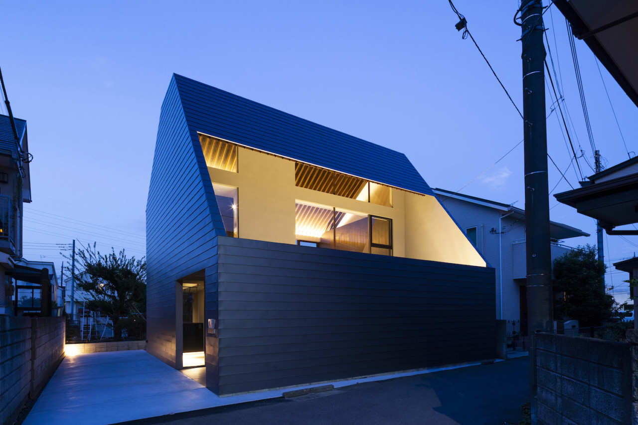 Cover Residence by APOLLO Architects & Associates