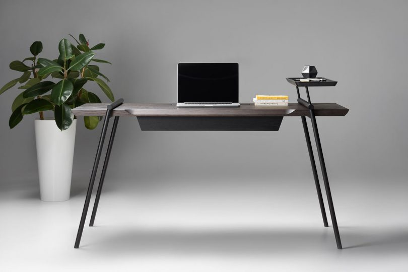 DUOO Is a Modern Writing Desk Stripped of Unnecessary Details