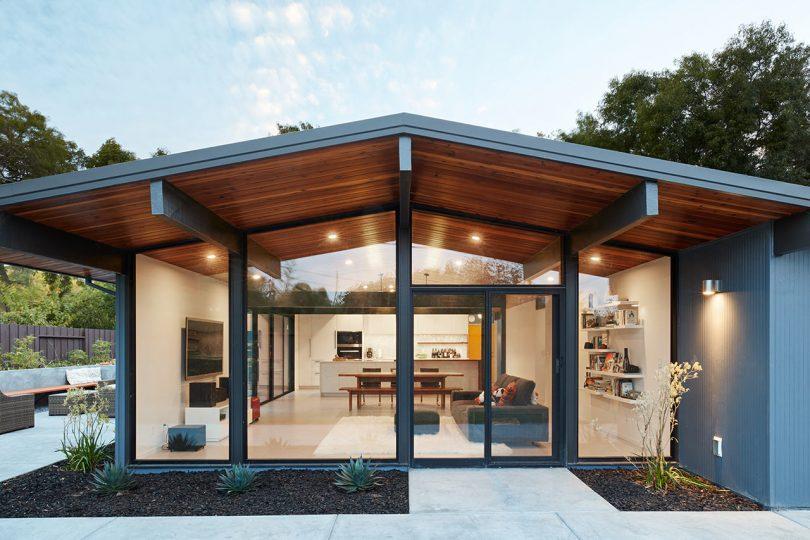 Klopf Architecture Remodels a Dark Eichler Home in Palo Alto