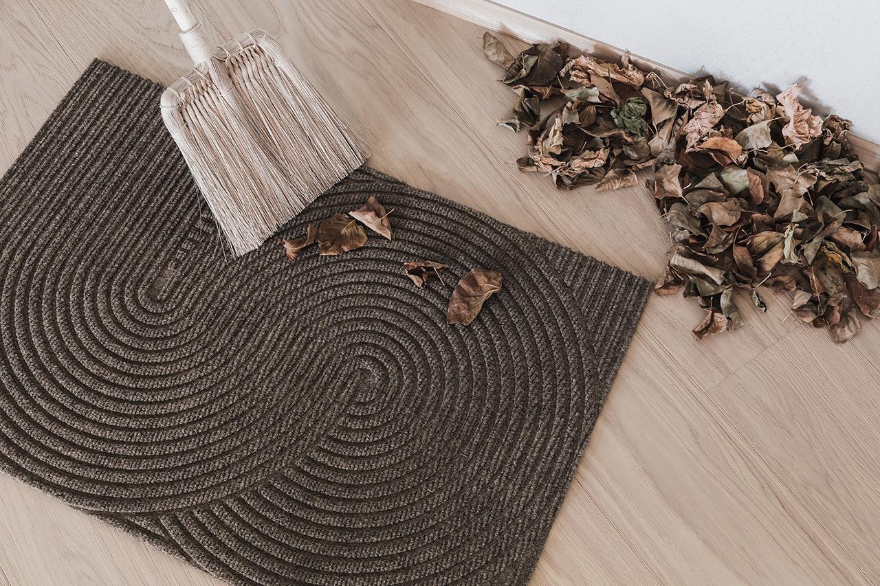 brown door mat