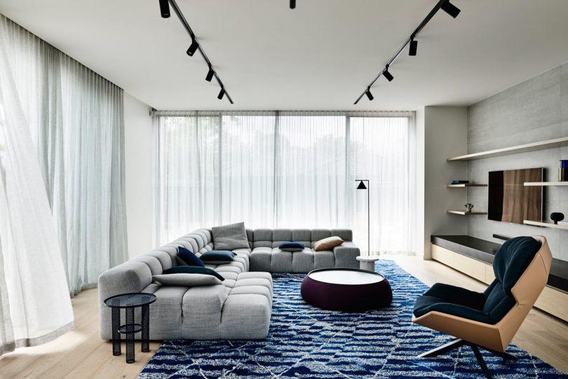 The Modern Glen Iris House Celebrates Unique Furnishings and Artwork