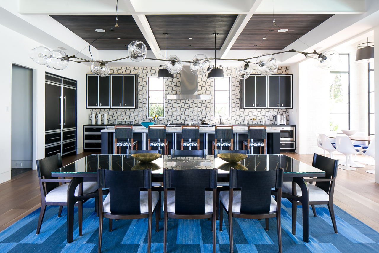 A Newport Beach Home That Merges Modern and Traditional