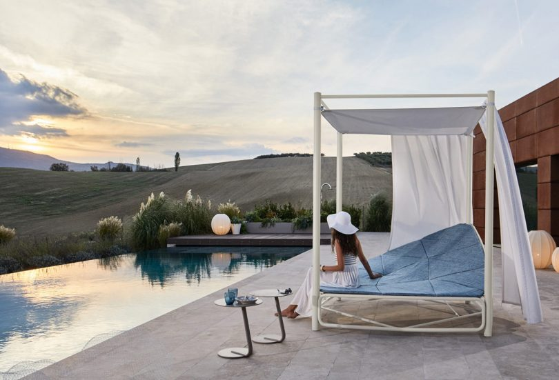 The Atollo Maxi Daybed Will Have You Relaxing like You're on Vacation